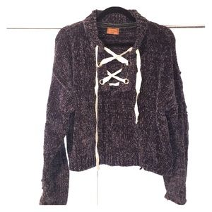 POL lace up front detail chunky sweater!